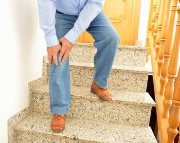 Find out about the common causes of knee pain going down stairs